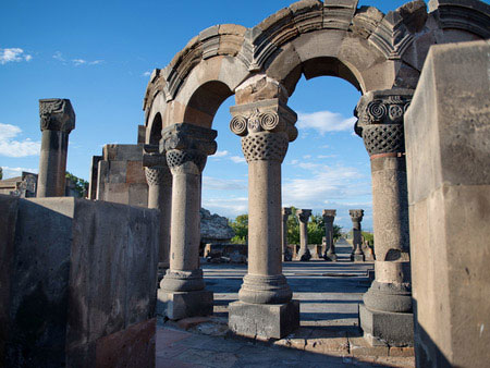 Excursions and tours to yerevan yerevan for Appart hotel yerevan