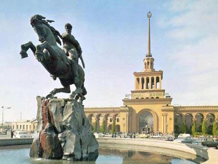 Памятник давиду сасунскому сколько стоит 999 проба в сбербанке